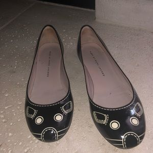 MARC JACOBS PATENT LEATHER MOUSE FLATS SIZE 36/6.